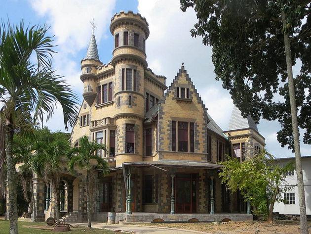 Stollmeyer's Castle in Port of Spain auf TrinidadQuelle: Stollmeyer's Castle von David Stanley (CC BY 2.0)