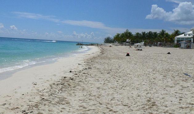 Strand auf Grand BahamaQuelle: Bahamian beach grand bahama von Kevin (CC BY 2.0)