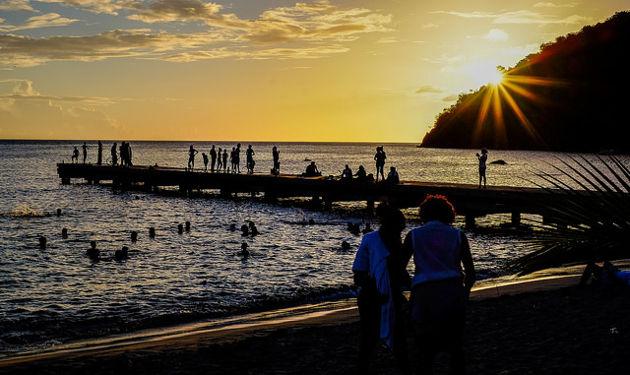 Strandleben am Abend auf MartiniqueQuelle: Beach Life von Matthias Ripp (CC BY 2.0)