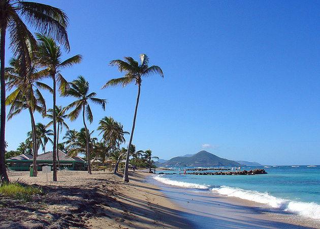Am Strand vom Nisbet Plantation Inn auf der Insel NevisQuelle: Nisbet Plantation Inn, Nevis, WI von simonsimages (CC BY 2.0)